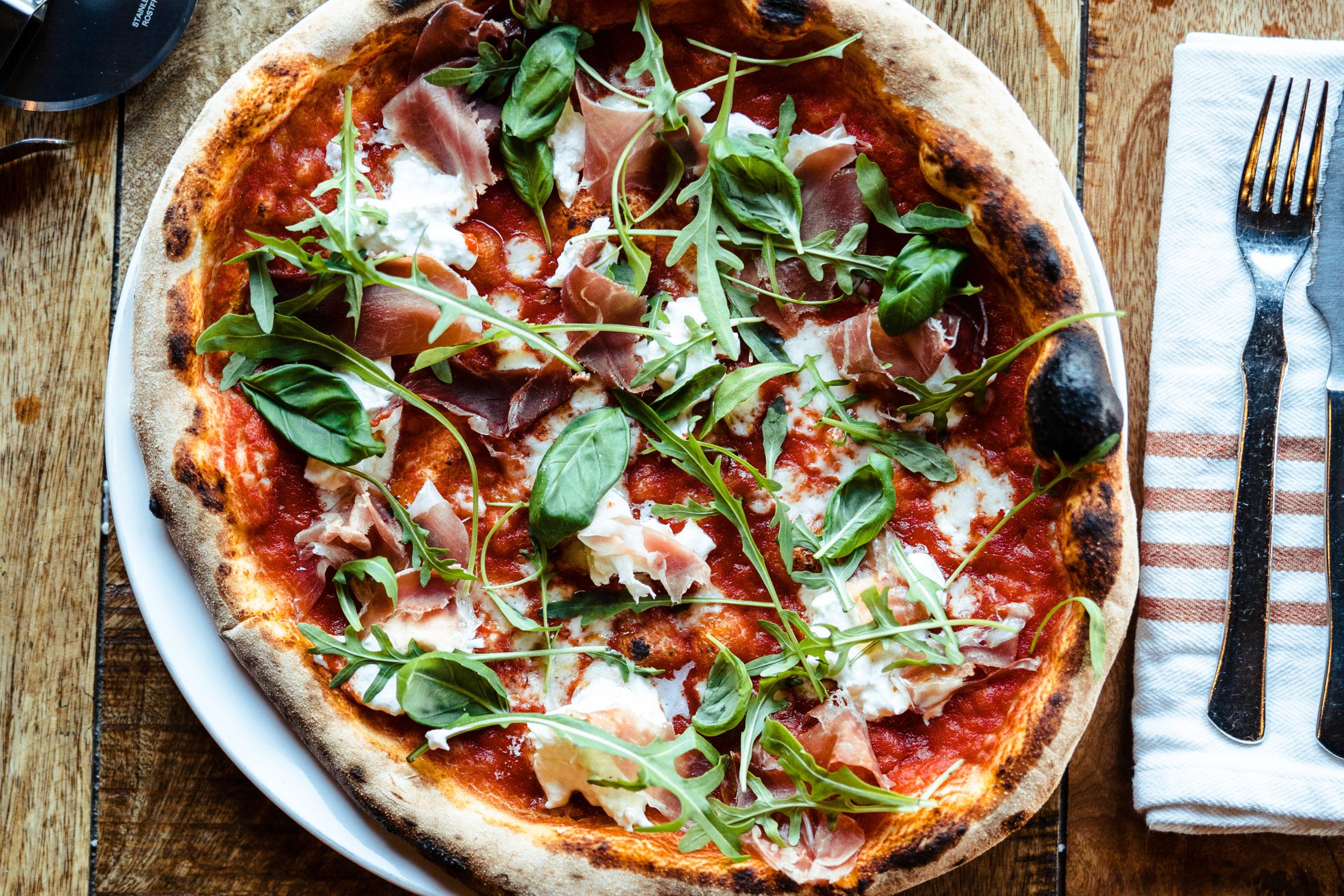 Steinovnsbakt italiensk pizza fra Bjørk