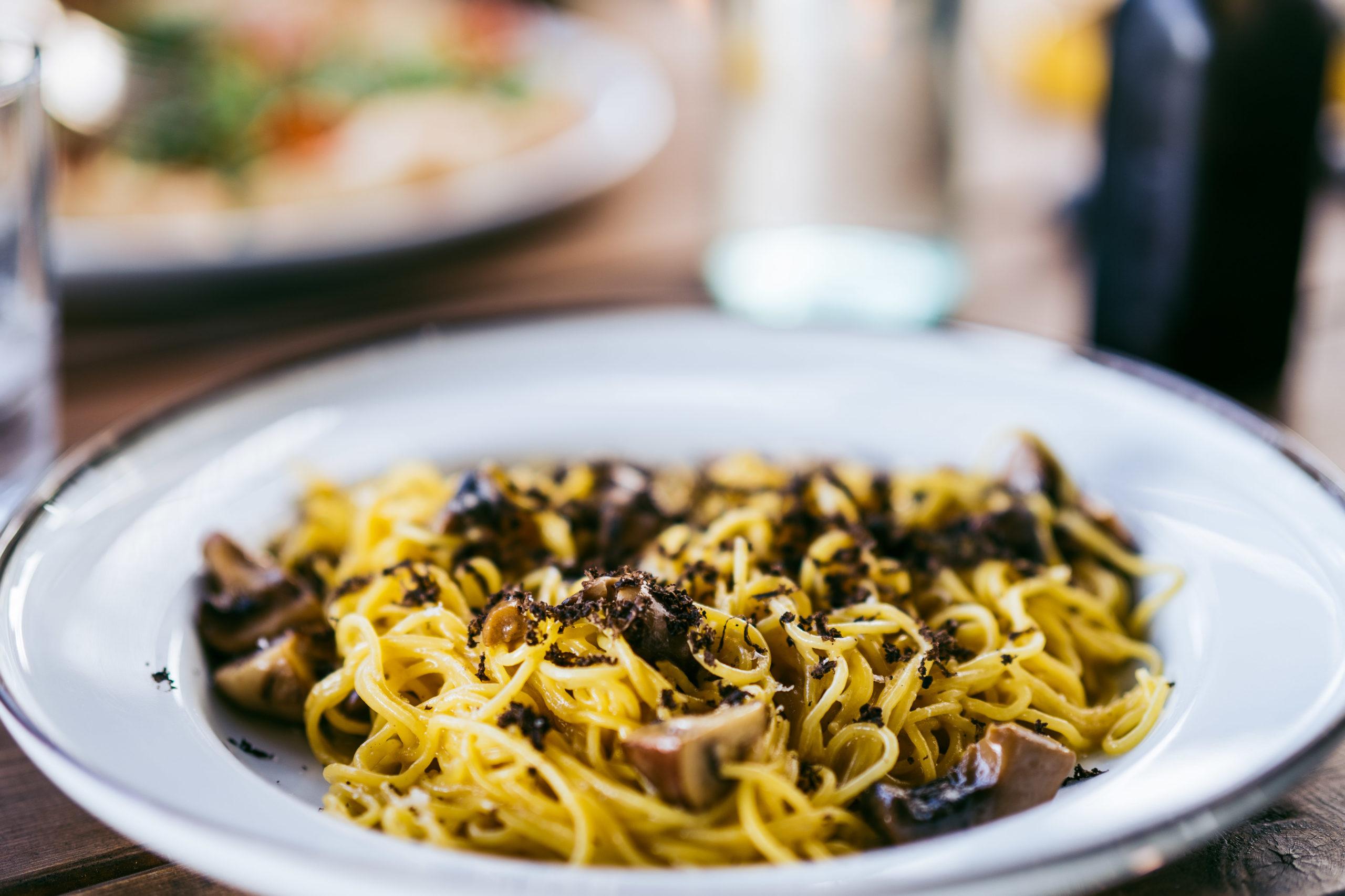 Spaghetti tartufo funghi fra Bjørk